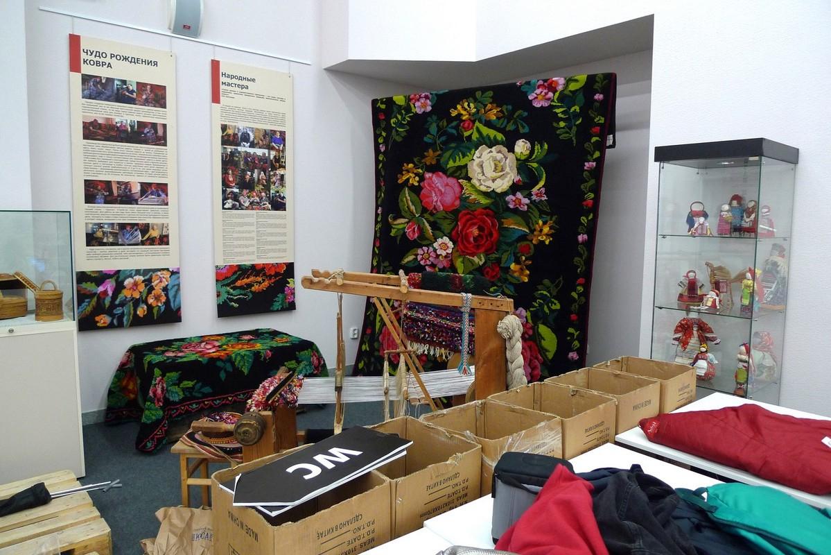 Выставка «Тюменский махровый ковер» в музее Словцова, Тюмень